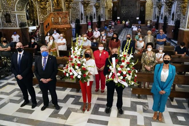 El Granada CF realiza la tradicional ofrenda floral a la Patrona