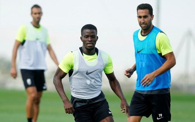 El Granada CF vuelve a entrenar para preparse para recibir al Alavés