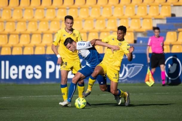 El CE Sabadell cava su propia tumba (2-0)