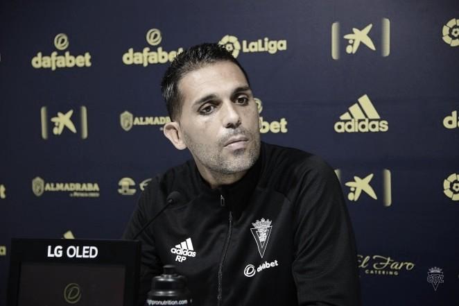 Roberto Perera en sala de prensa<div>www.cadizcf.com</div>