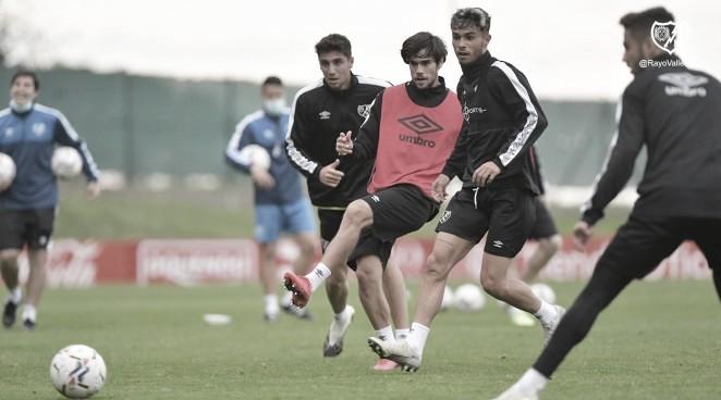 Último entrenamiento antes de enfrentar al Real Oviedo. Foto: @Rayo Vallecano