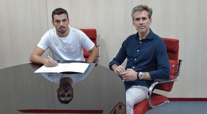 Gonzalo Bueno, más chispa a la delantera almeriense