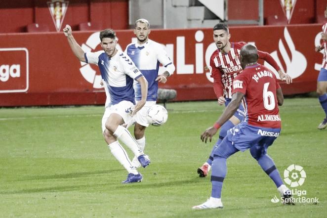 El Sabadell sufrió una nueva derrota en El Molinón (3-1) | Foto: CE Sabadell FC