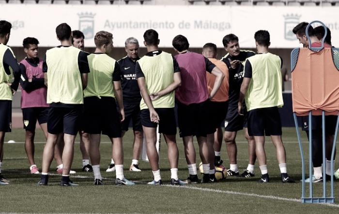 El Málaga ha vuelto a los entrenamientos...con protestas