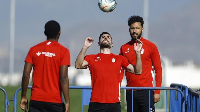 El Granada CF comienza los entrenamientos en grupos con mucho balón