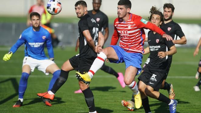 Montoro en el partido entre el Recreativo Granada y Sevilla Atlético de la primera vuelta | Foto: Granada CF