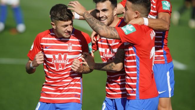 Jugadores del Recreativo Granada en el último partido contra el Sevilla Atlético | Foto: Granada CF