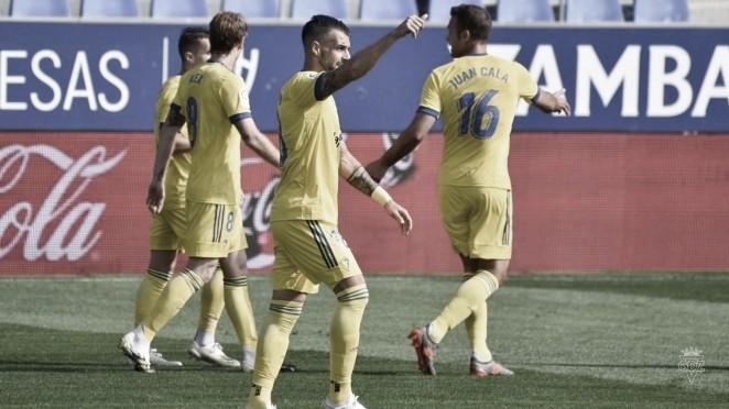 Negredo celebra su gol frente al Huesca | Cádiz CF