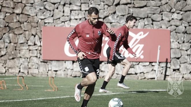 Elliot Gómez renueva con el CD Tenerife