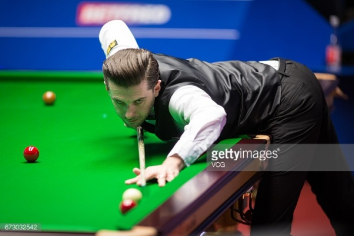 Mark Selby thrashes Marco Fu with a session to spare