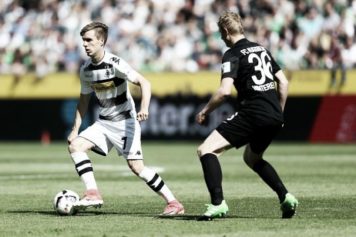 Mönchengladbach arranca empate no fim e agrava situação do Augsburg contra degola