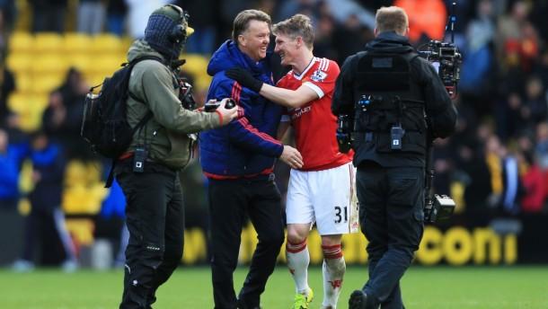 """Van Gaal comemora triunfo sobre Watford: """"Fiquei muito orgulhoso do espirito da equipe"""""""
