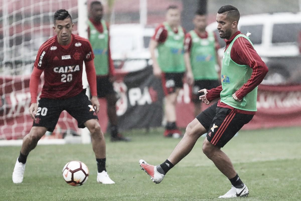 """Sem Uribe, Juan e Rômulo, Flamengo divulga relacionados para """"jogo do ano"""" contra o Cruzeiro"""