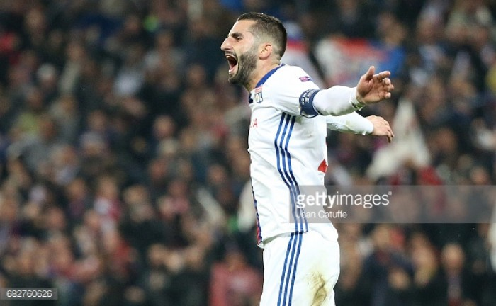 Maxime Gonalons inches closer to Roma move