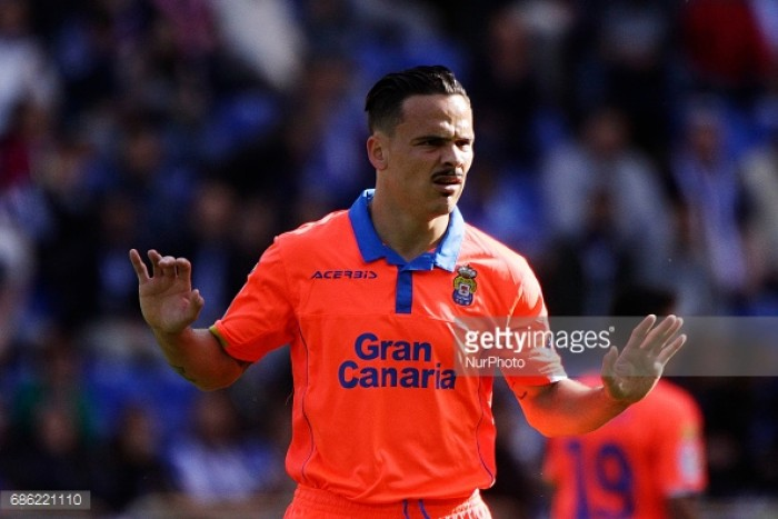 Swansea City complete £11m Roque Mesa signing