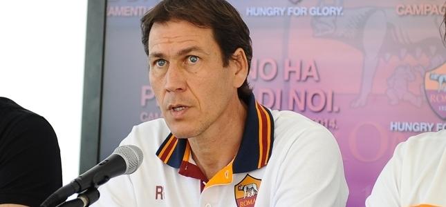 """Garcia alza la voce: """"Chi critica la Roma è laziale"""""""