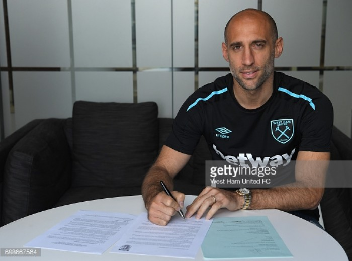 Pablo Zabaleta signs two-year deal with West Ham United