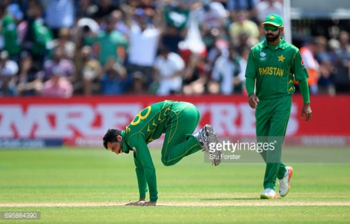England vs Pakistan Inspired bowling display helps Pakistan to the Champions Trophy final