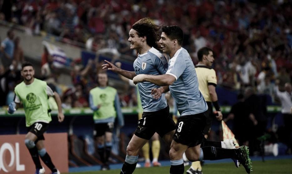 A punta de 'garra charrúa', Uruguay venció a Chile y quedó líder del Grupo C