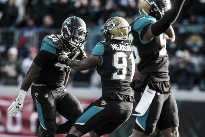 Defesa se sobressai e Jaguars derrotam Bills nos playoffs da NFL
