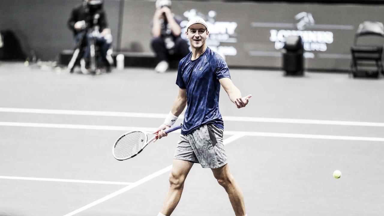 Conto de fadas: Schnur surpreende Querrey em New York e vai à sua primeira final de ATP