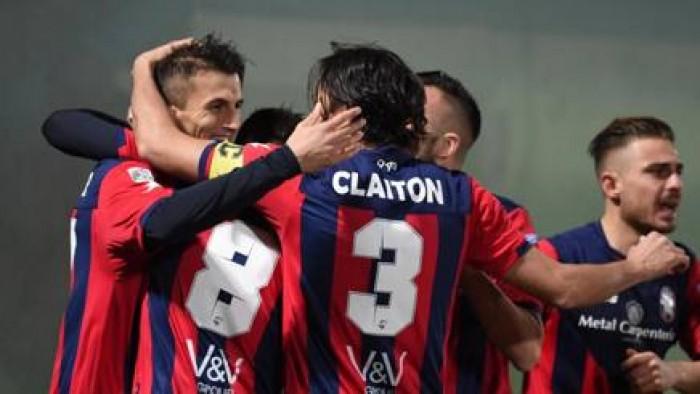 Serie B - Il Crotone sorpassa mettendo la freccia