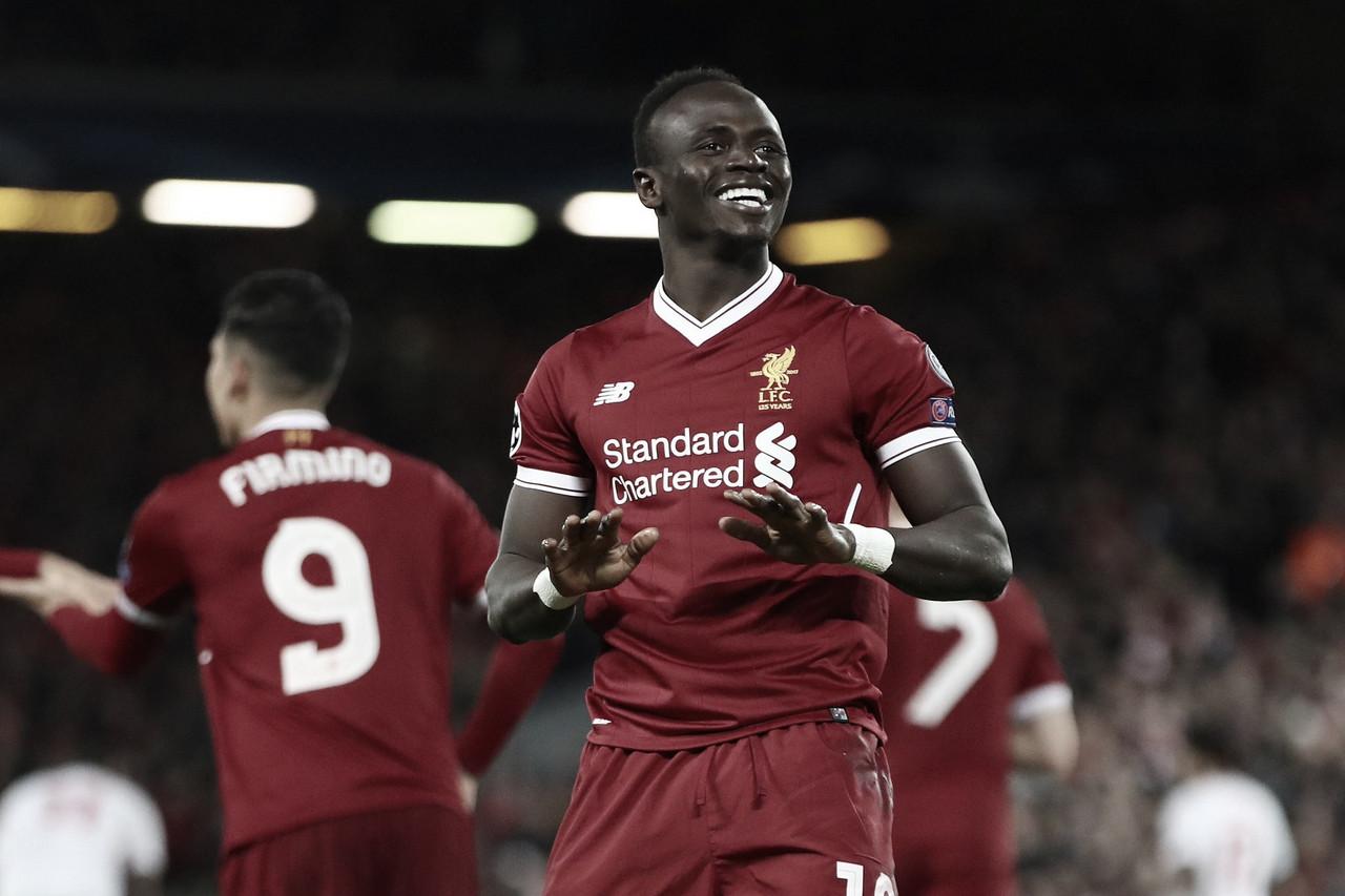 Liverpool toma sustos, mas bate Aston Villa e segue na busca por recordes