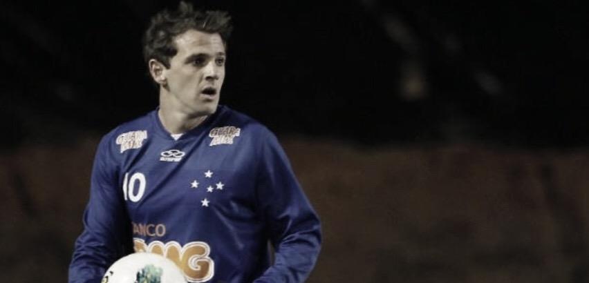 """Montillo relembra título pelo Cruzeiro: """"Feliz de marcar meu nome na história"""""""