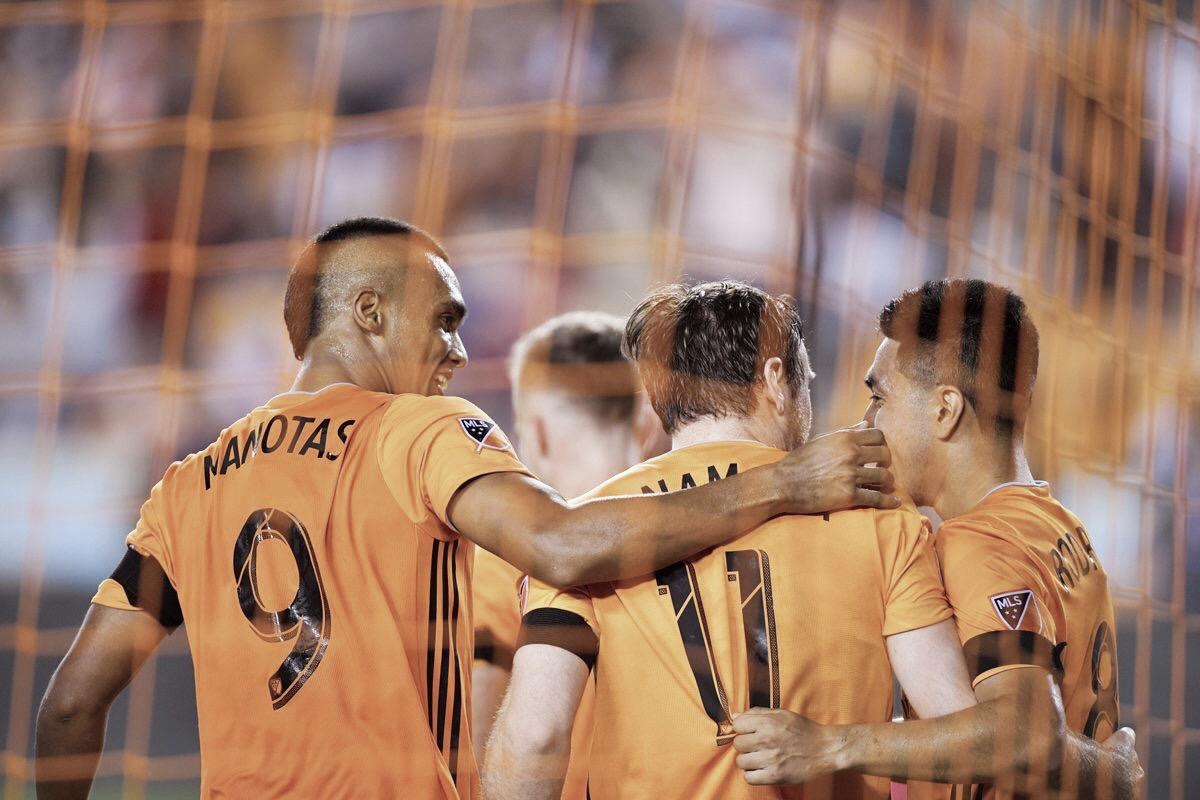 Houston Dynamo sorprende al United