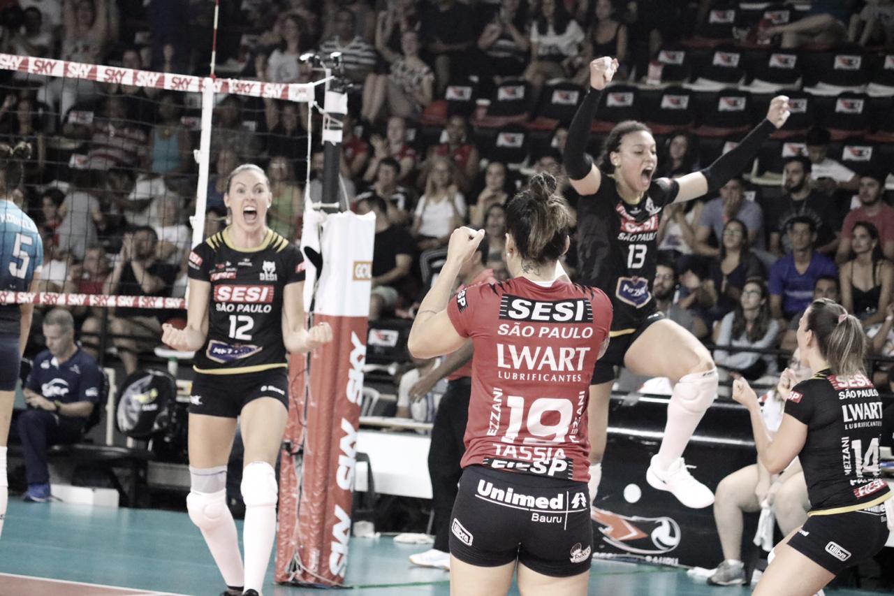 Sesi Bauru faz história, elimina Sesc-RJ e garante vaga na semifinal da Superliga