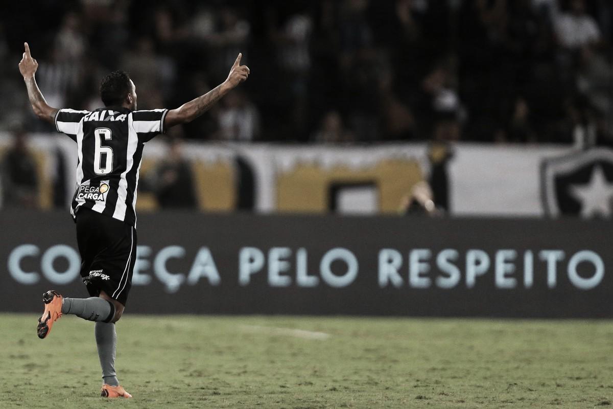 Após gol histórico, Gilson projeta partida contra Cruzeiro: ''Equipe fortíssima''