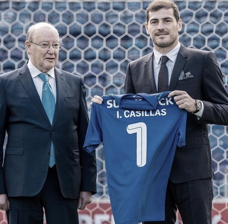 Iker Casillas renova contrato com Porto até 2020