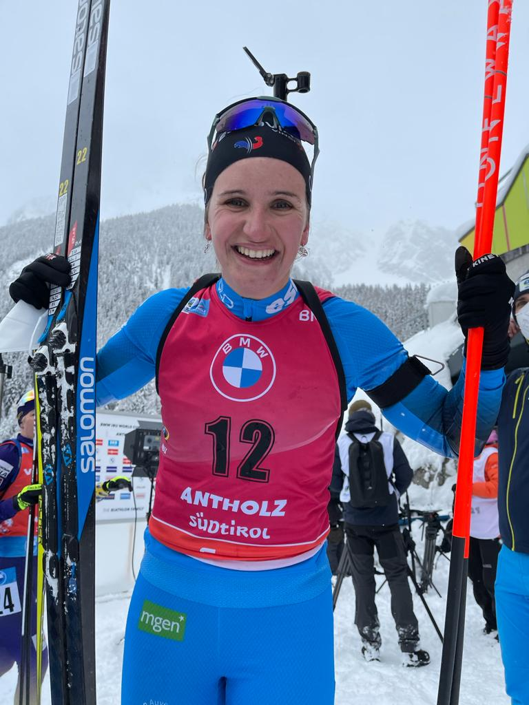 Julia Simon remporte la mass-start de Antholz-Anterselva.