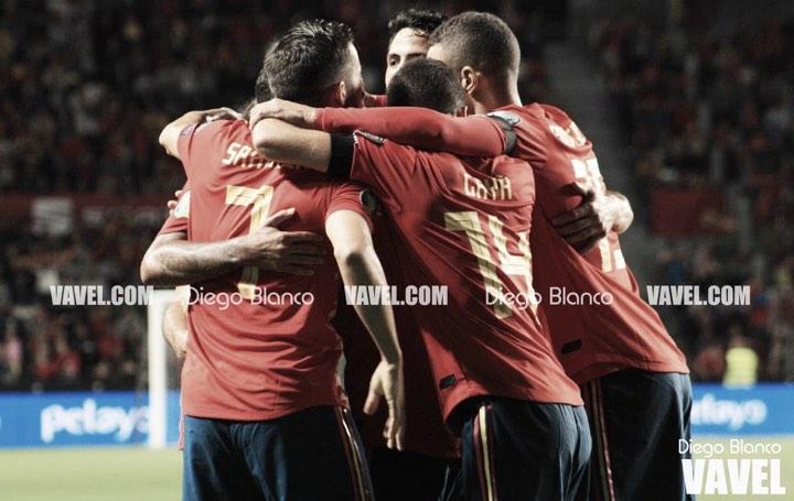 España golea para 'El Brujo'