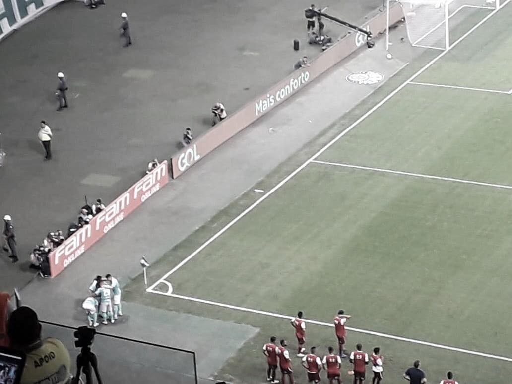 Em jogo atrasado, Palmeiras bate Fluminense com Hat-trick de Luiz Adriano