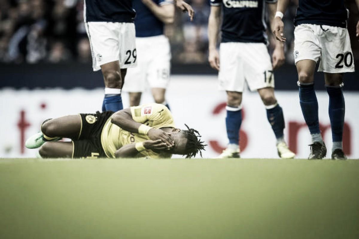 Lesão no tornozelo encerra temporada do atacante Batshuayi, do Borussia Dortmund
