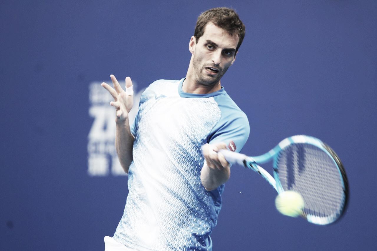 Ramos-Vinolas surpreende, vence Monfils em sets diretos e avança às semis do ATP 250 de Zhuhai