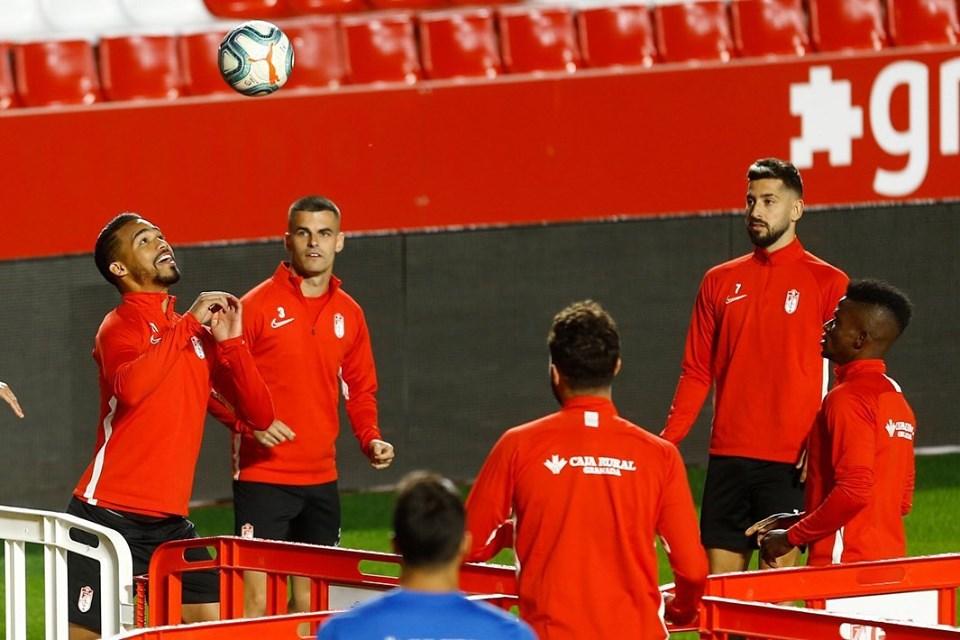 La convocatoria del Granada CF para el duelo con Osasuna, con ciertas bajas sensibles