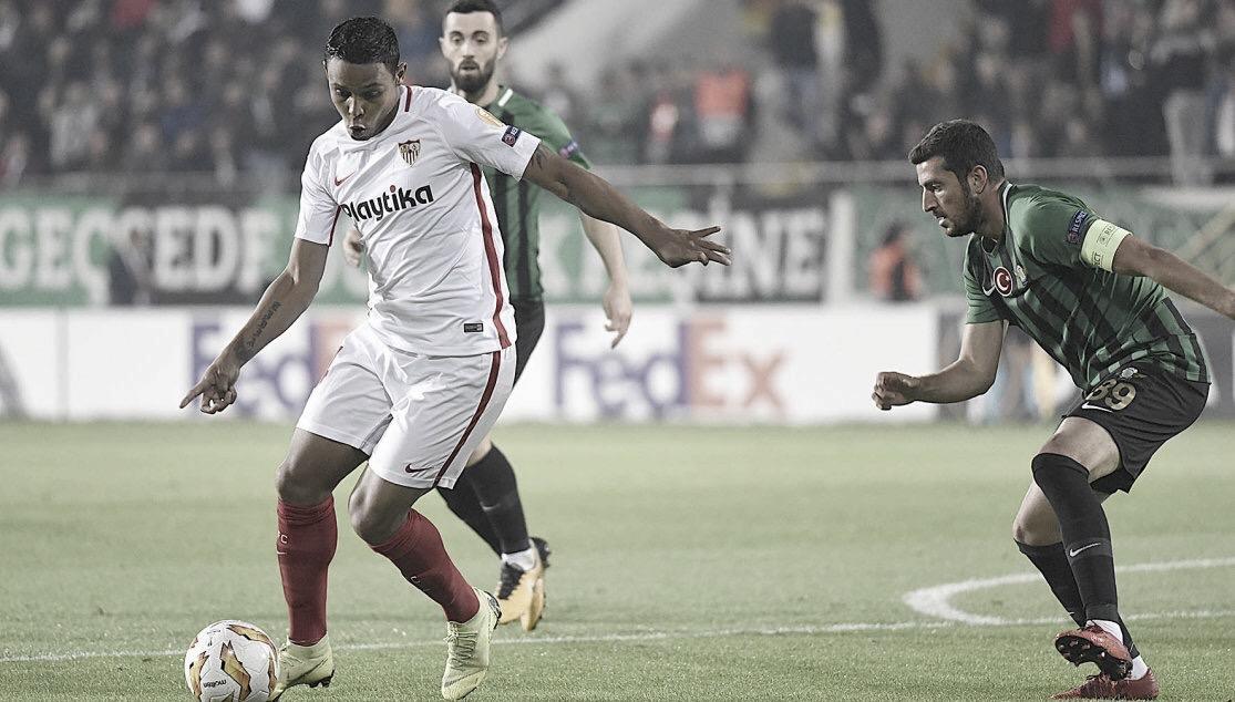 Primeira de 2019: Fiorentina anuncia Luis Muriel por empréstimo junto ao Sevilla