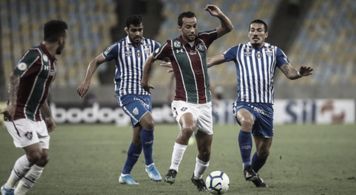 Avaí agrava crise do Fluminense, vence no Maracanã e quebra jejum de 19 jogos sem vitória