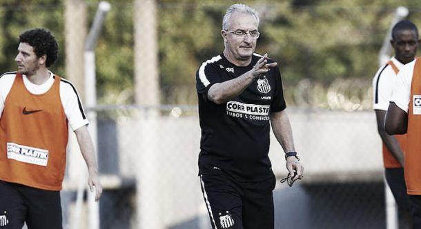 Dorival afirma que Santos está no caminho certo para sair do Z-4 mesmo após derrota ante Palmeiras