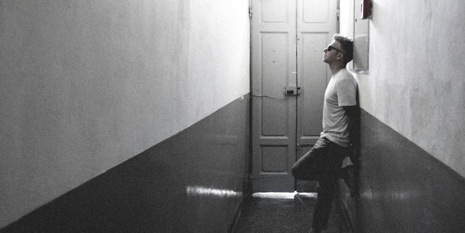 "Greg Holden returns with a new single: ""Honest"""