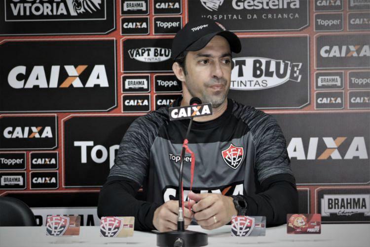 João Burse lamenta empate do Vitória no clássico contra Bahia: ''Faltou mais concentração''
