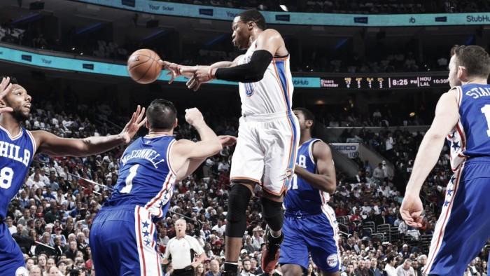 Sixers mostra evolução, mas Westbrook lidera Thunder à vitória