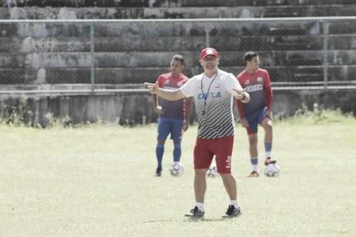 Com volta de lesionados, técnico Beto Campos esboça time titular no Náutico
