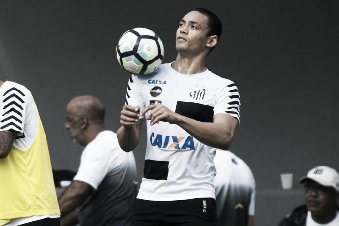 Ricardo Oliveira faz dois em treino e ensaia volta ao Santos