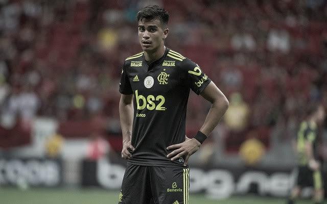 """Jesus elogia Reinier em vitória sobre Avaí: """"Ele tem coisas parecidas com o Kaká"""""""
