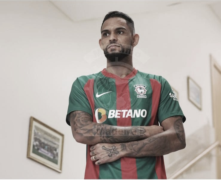 Apresentado oficialmente no Marítimo, Vítor Costa projeta temporada em seu retorno a Portugal