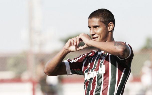 Michael renova contrato com o Fluminense até 2017