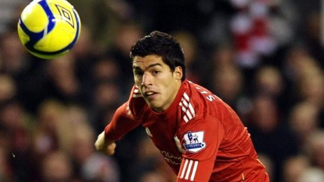 Liverpool 1-1 Aston Villa: Suárez evita la tragedia en el último instante